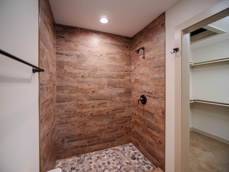 2 Bathroom.