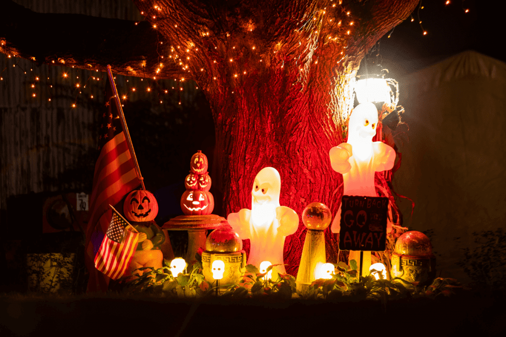 Spookify Your Seller-Financed Property With These 3 Last Minute Halloween Decoration Ideas